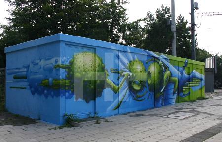 Graffiti auf Stellwerk-Haus, Köln