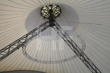 Blick in ein Zeltdach