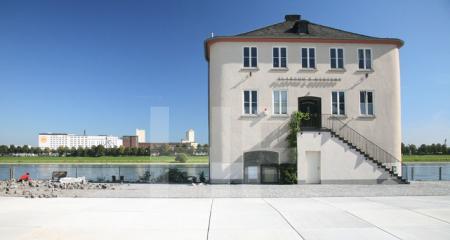 Haus mit Juwelier im Rheinauhafen, Köln