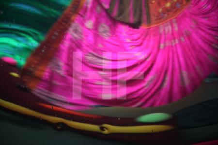 Farbstudie 5 (Ind. Hochzeitskleid)