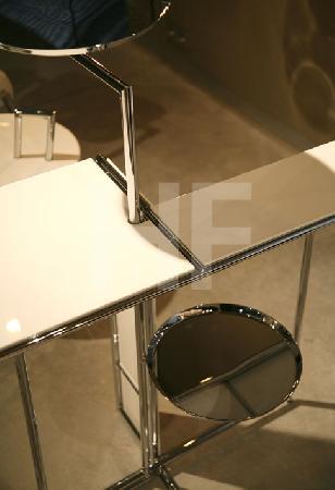 Tisch von Eileen Grey (Detail)