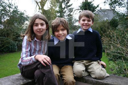 Kinder S. auf der Terrasse