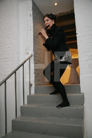 """Camilla Hoitenga bei einem Auftritt im Hotel """"The New Yorker"""" im Rahmen des Festivals """"Musik in den Häusern der Stadt"""" des KunstSalon. (2)"""