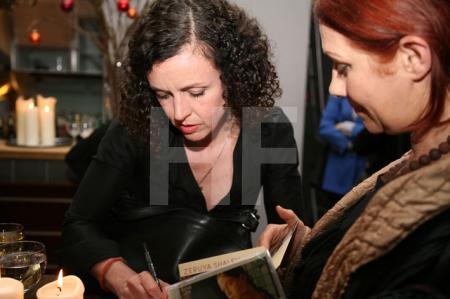 """Maria Schrader signiert """"Liebesleben"""" im KunstSalon"""