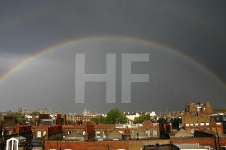Regenbogen über London, Mitte