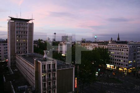 Blick auf den Barbarossaplatz in Köln