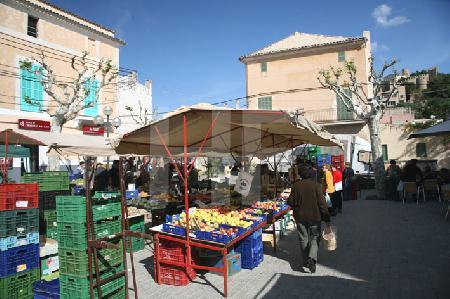 Der Marktplatz von Capdepera, Mallorca