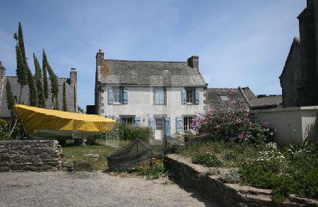 Haus mit Boot auf der Ile de Batz, Bretagne