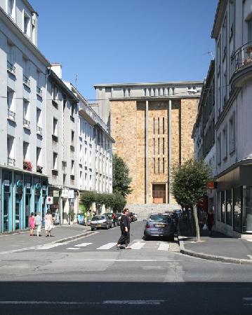 Blick auf die Église St.-Louis in Brest, Bretagne