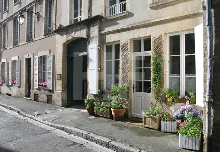 An einer Straße in Bayeux, Normandie
