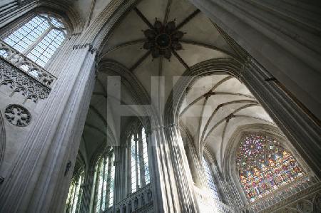 Apsiskreuz und Pfeiler der Kathedrale von Bayeux, Normandie