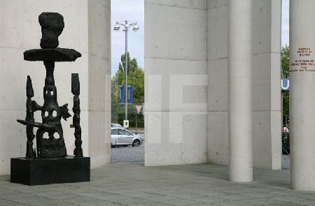 Skulptur am Bonner Kunstmuseum
