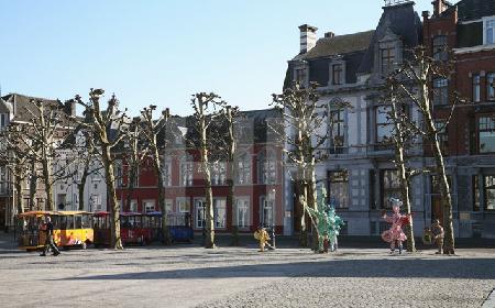 Häuser am Vrijthof in Maastricht, NL (2)