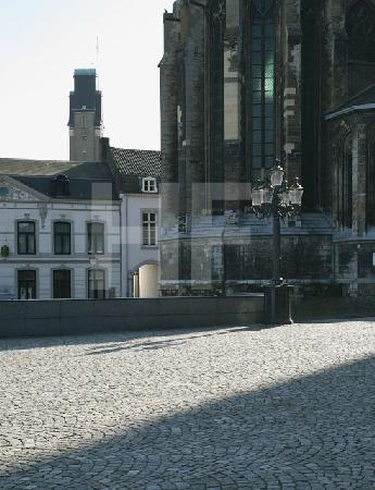 Die St. Servatius Basilika am Vrijthof in Maastricht, NL