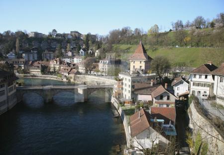 Blick von der Nydeggbrücke auf die Aare und die Untertorbrücke, Bern