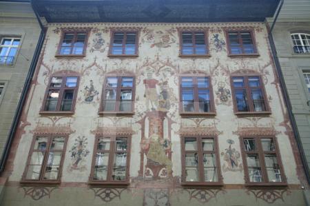 Prächtig bemalte Fassade in der Berner Altstadt