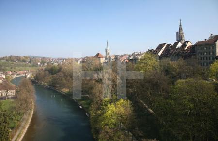 Blick von der Kornhausbrücke auf die Berner Altstadt