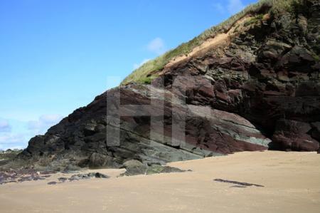 Felsen auf Daymer Beach bei Trebetherick, Cornwall