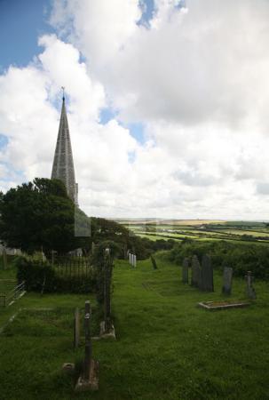 Die Kirche von St. Minver mit Blick in die Weite, Cornwall
